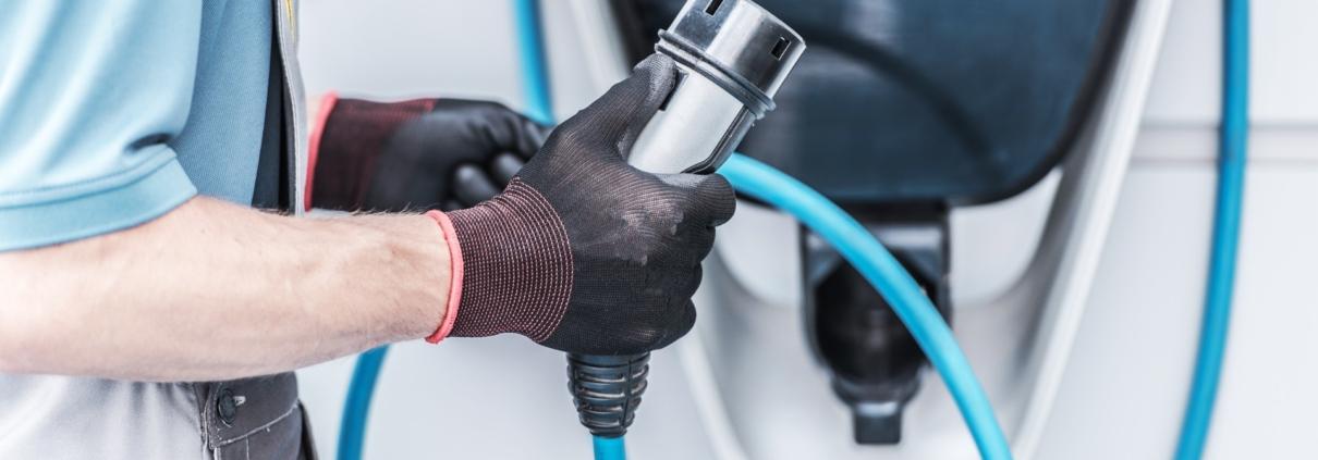 Instalación de cargador de coche eléctrico - Jovitel